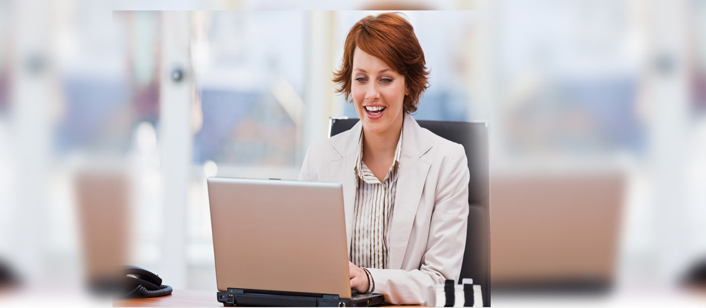 an auction house manager using Auction Ninja software to manage her online business.
