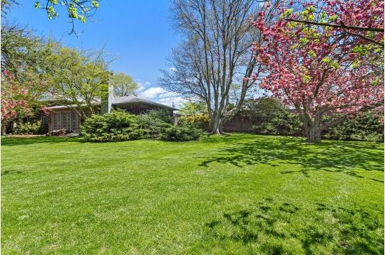 White Goose Estate Sales | Auction Ninja
